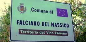 segnale-di-benvenuto-al-comune-di-falciano-del-massico-territorio-del-vino-falerno