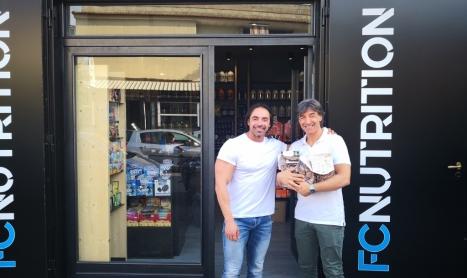 Il campione di body building Francesco Cirillo al fianco della Stranormanna