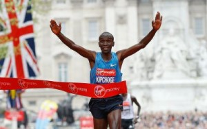 Eliud Kipchoge of Kenya wins the Men's race in the 35th London Marathon, Sunday, April 26, 2015. (AP Photo/Kirsty Wigglesworth)